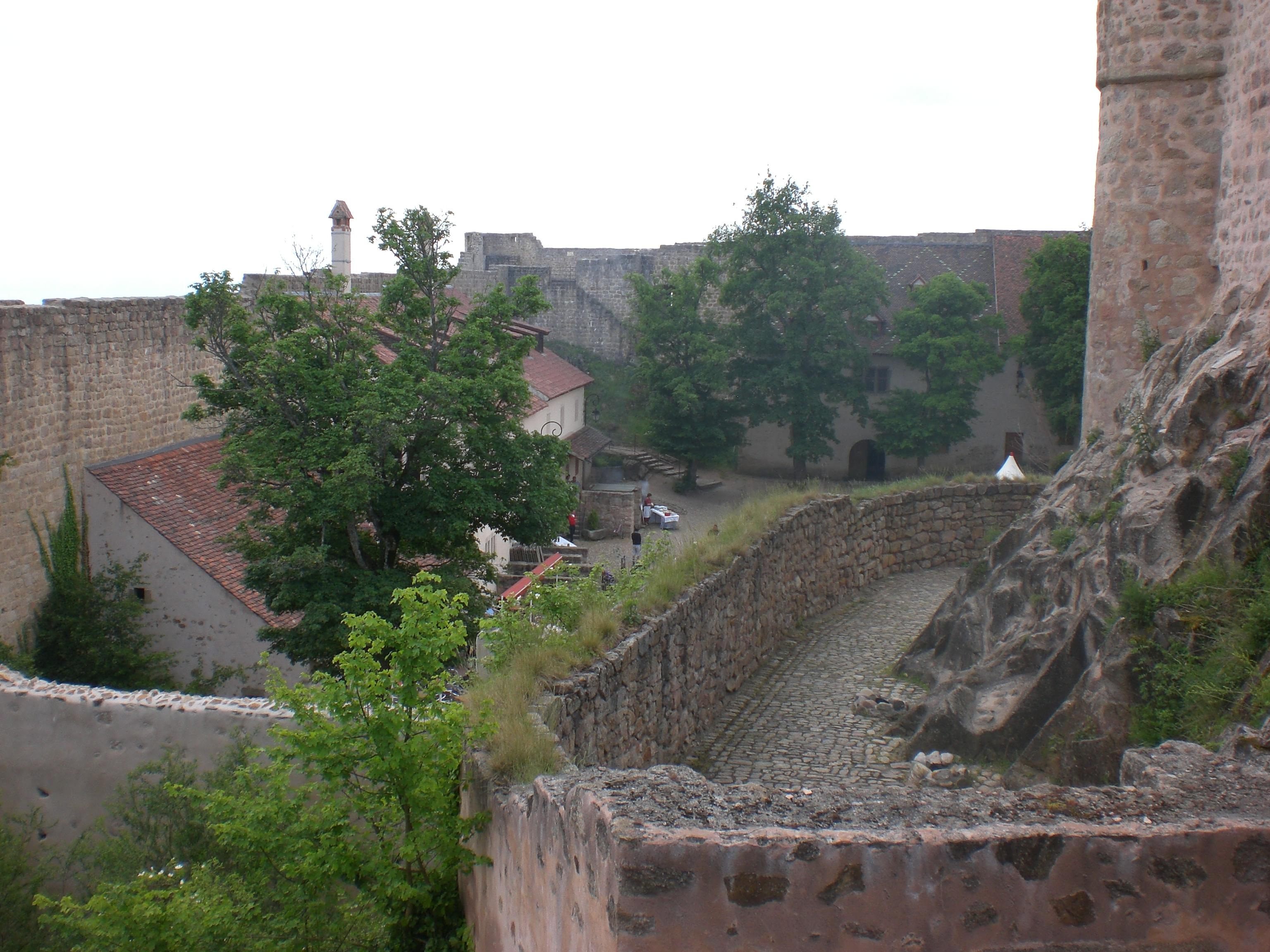Hohlandsburg Innenhof