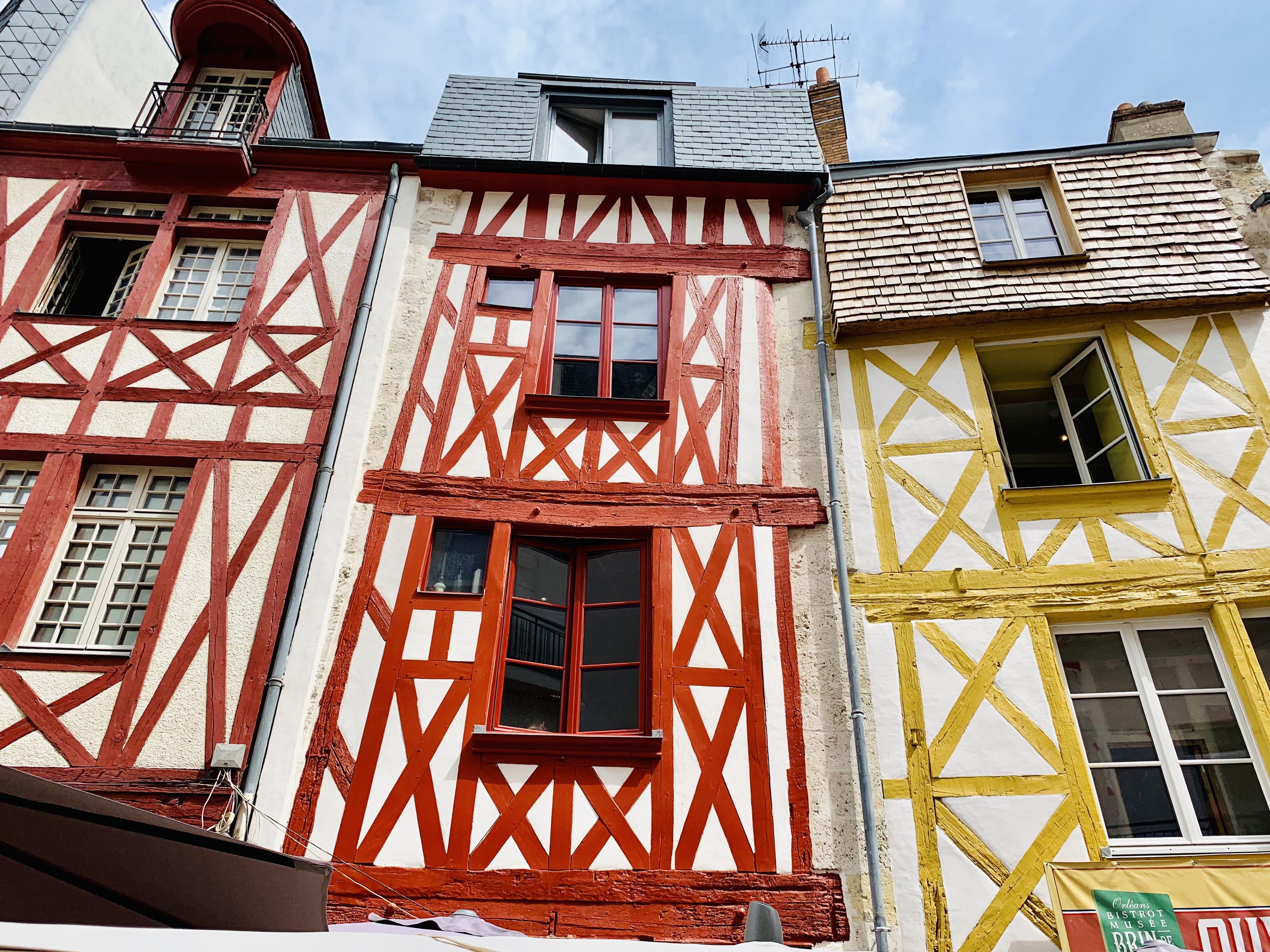 Europa Roadtrip 2019 - Bunte Fachwerkhäuser in Orléans