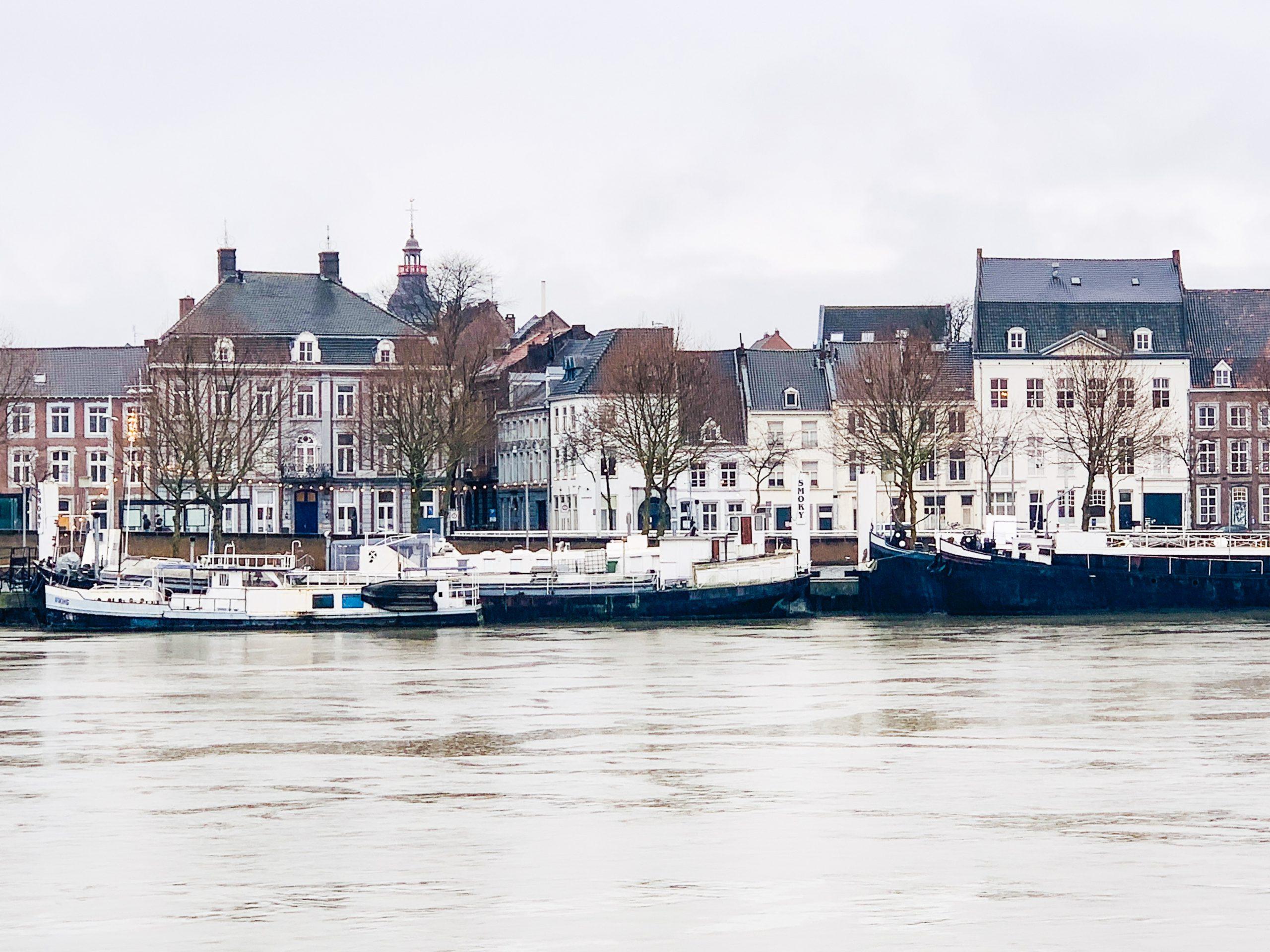 Blick auf Maastricht Binnenstad von Wyck aus
