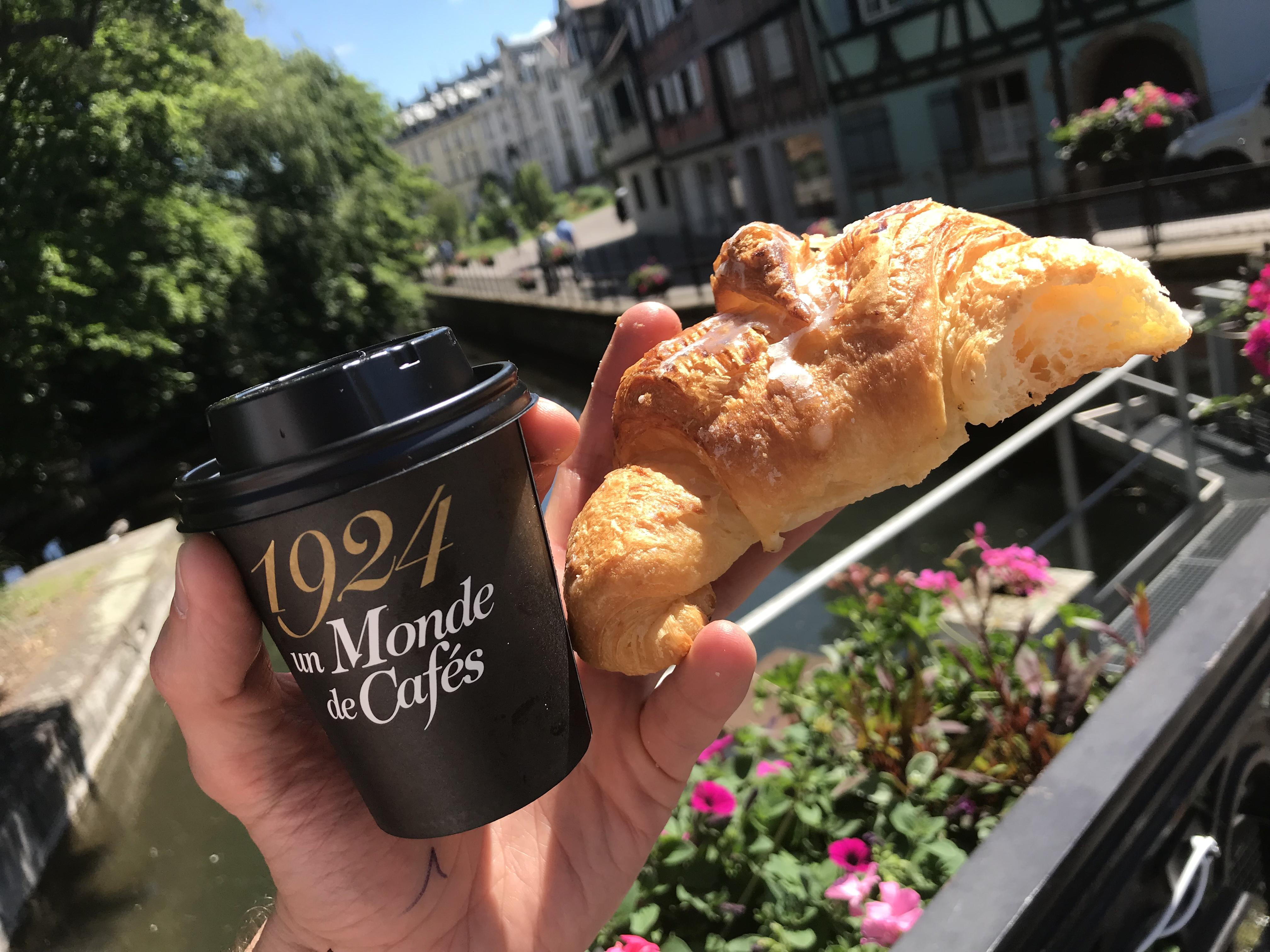 Französisches Frühstück auf Städtetour durch Colmar