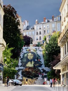Europa Roadtrip 2019 - Mona Lisa Street Art in Blois