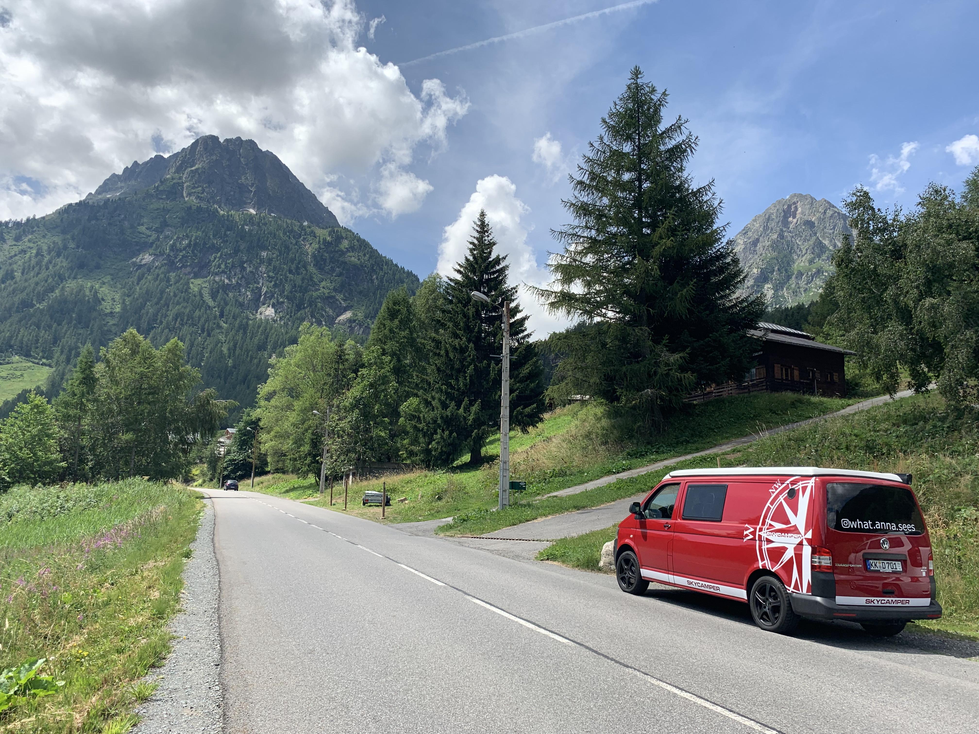 #vanlife auf dem Weg durch die französischen Alpen
