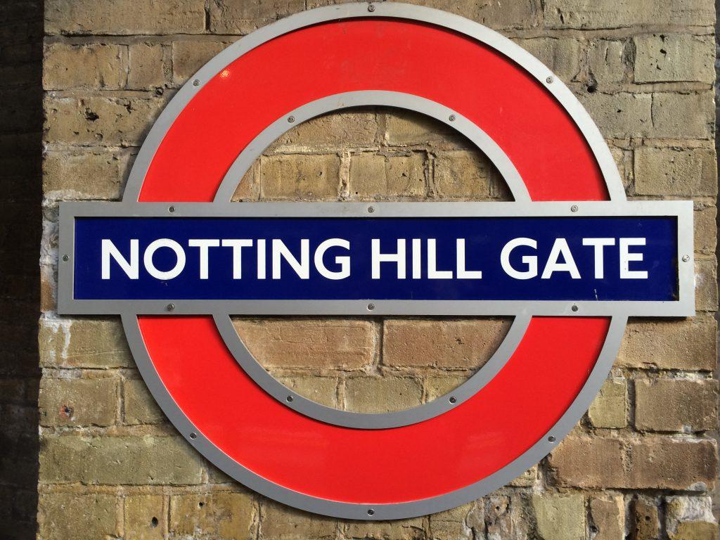 Die Tube London ist die beste Verbindung raus nach Notting Hill