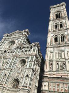 Die wunderschöne Kathedrale Di Santa Maria del Fiore in Florenz
