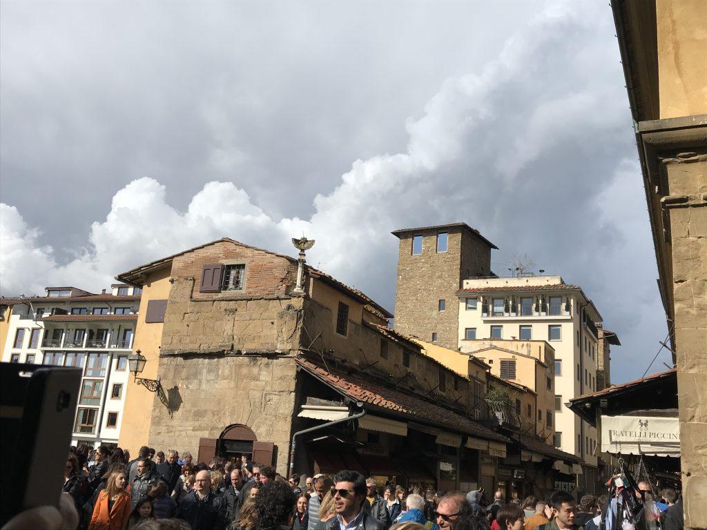 Die Ponte Veccio, Florenz - ein sehenswerter Besuchermagnet