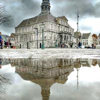 Eindrucksvolle Kulisse: das Rathaus in Maastricht